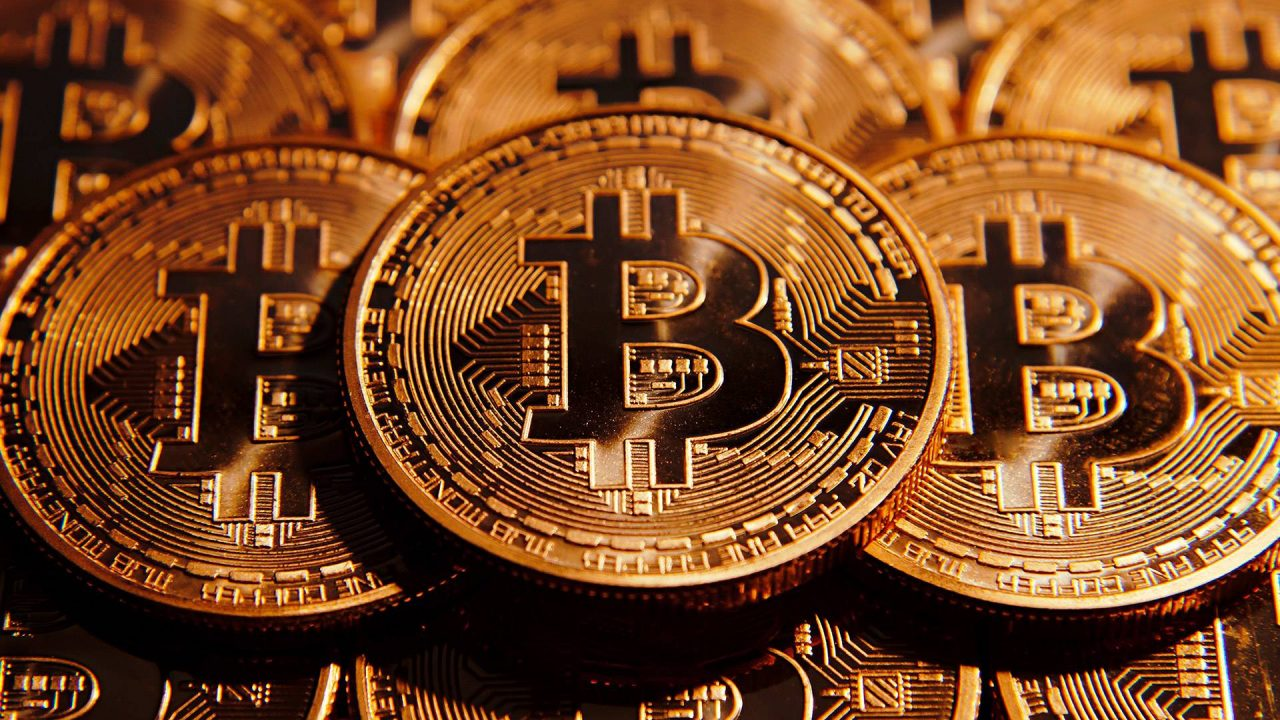 Bitcoin Exchanges Goes Bust After Unexpected Hack