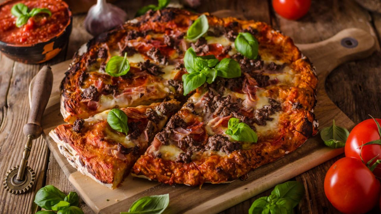 http://newstar.bold-themes.com/magazine/wp-content/uploads/sites/17/2018/01/pizza_meat-1280x720.jpg
