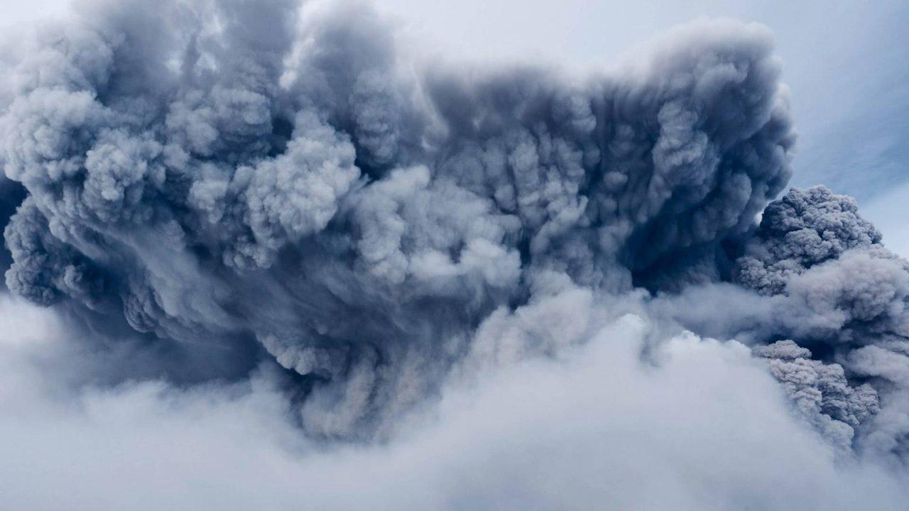 https://newstar.bold-themes.com/magazine/wp-content/uploads/sites/17/2018/01/l_2-hurricane_hit_volcano-1280x720.jpg