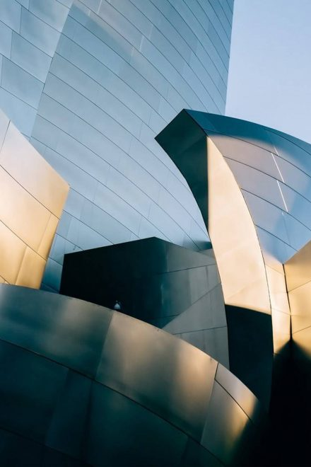 Top 29 World Famous Buildings to Inspire You