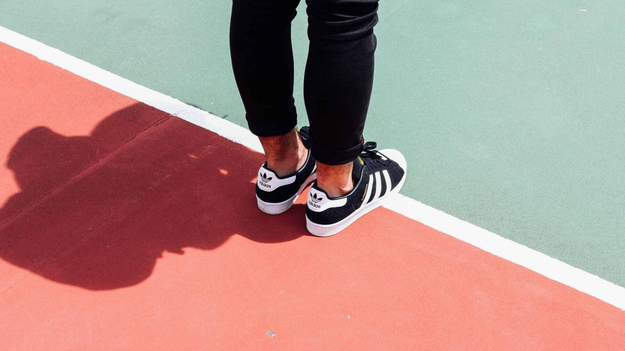 https://newstar.bold-themes.com/magazine/wp-content/uploads/sites/17/2018/01/l_7-20_coolest_sneakers_2018-1280x720.jpg
