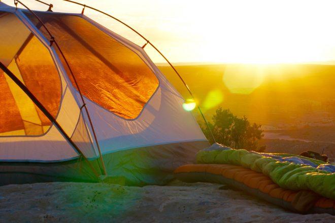 https://newstar.bold-themes.com/travel/wp-content/uploads/sites/12/2017/06/days_camping-660x440.jpg