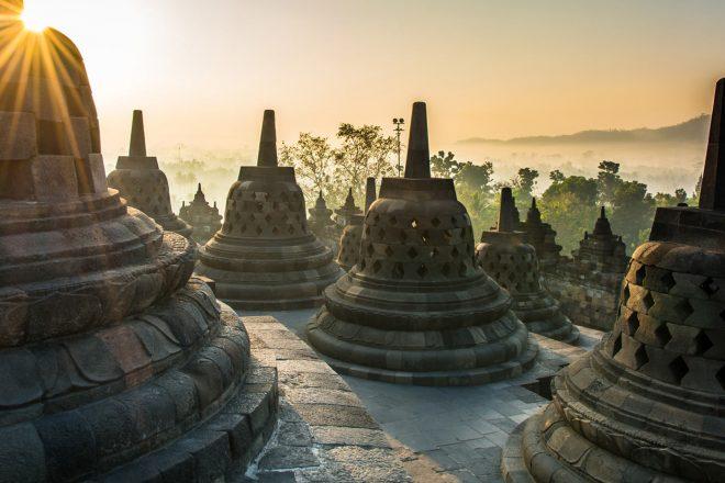 https://newstar.bold-themes.com/travel/wp-content/uploads/sites/12/2018/04/heritage_indonesia-660x440.jpg